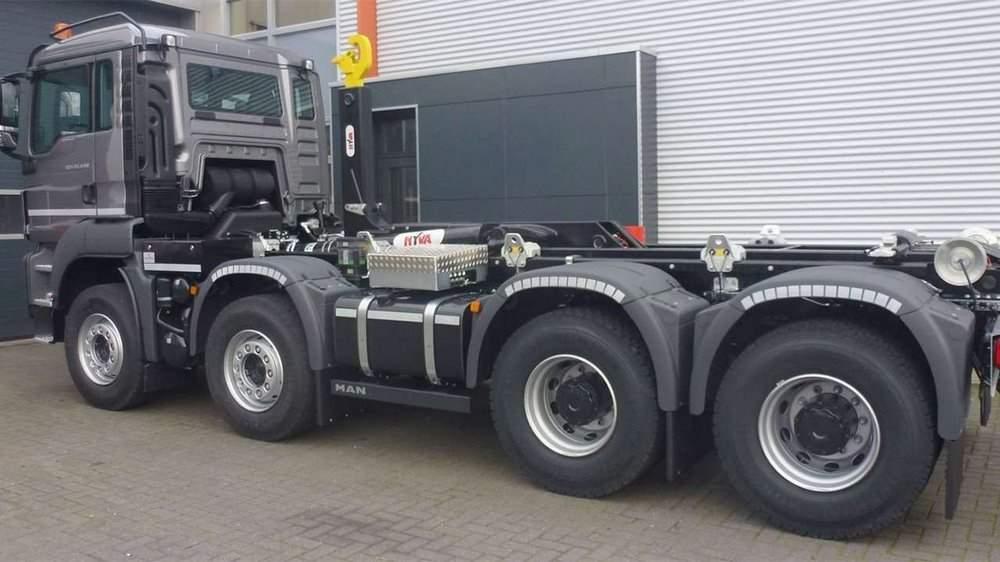 Задняя часть грузовика MAN TGS 8x4