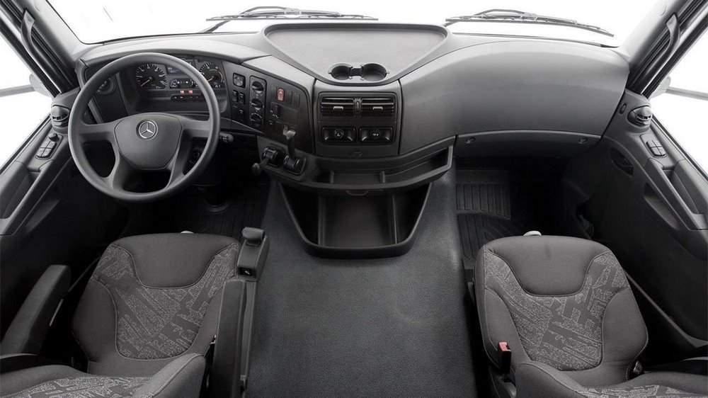 Салон кабины Mercedes-Benz Axor