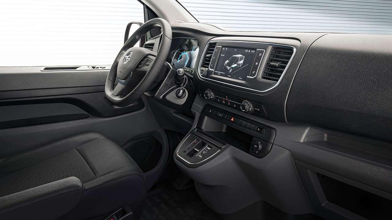 Интерьер Opel Vivaro
