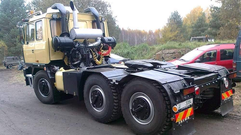 Задняя часть Tatra T815