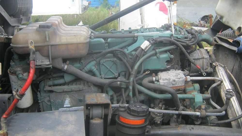 Основной мотор грузовика Volvo FL6